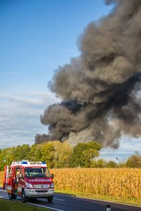 Fire Smoke Industry Pollution Burn  - Kollinger / Pixabay